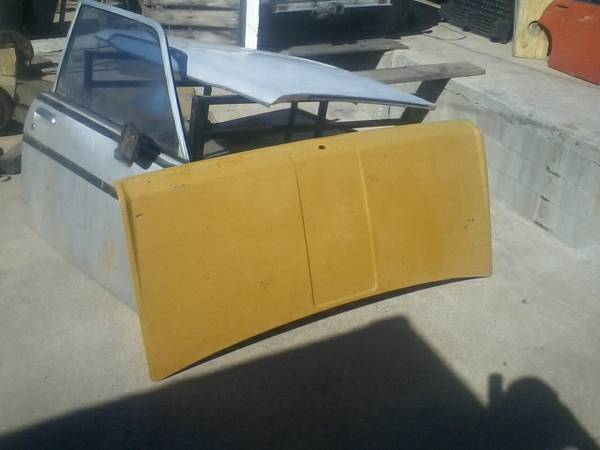 Datsun 510 Doors Hood For Sale by Owner in Tucson, Arizona