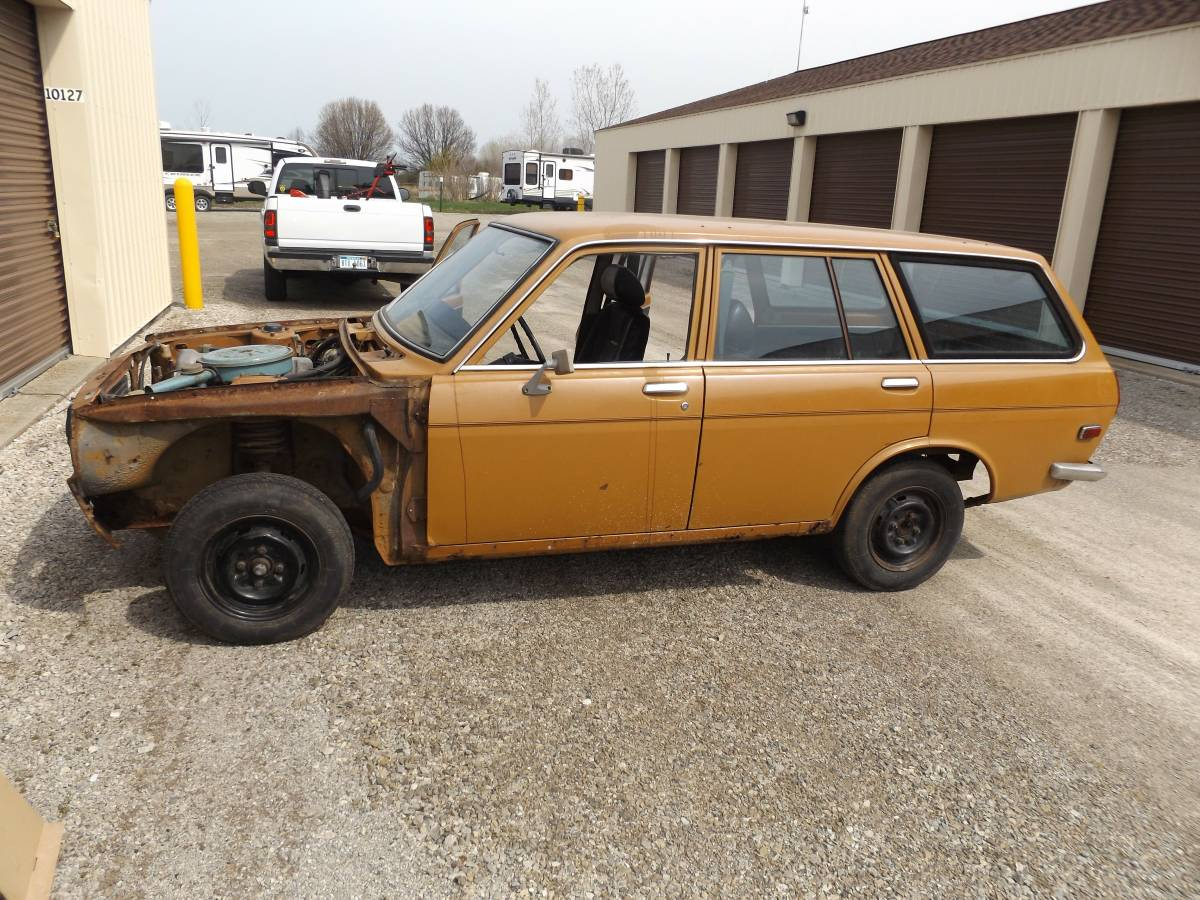 1972 datsun 510 wagon for sale by owner in toledo ohio. Black Bedroom Furniture Sets. Home Design Ideas